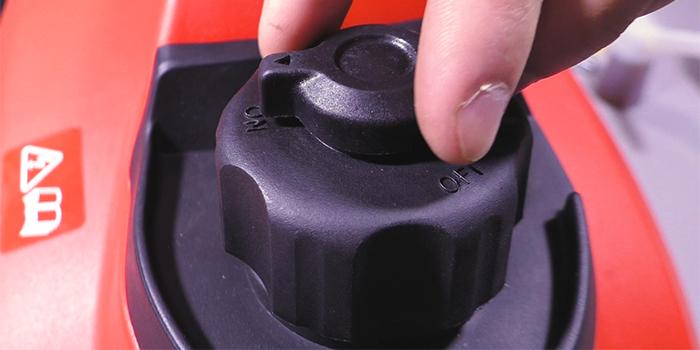 клапан на крышке топливного бака инверторного генератора.jpg